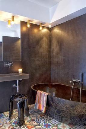 badrum modernt svart mosaik marockanskt kakel klinker