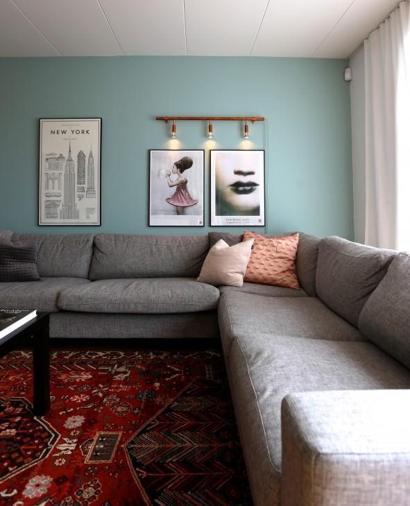styling_rombysofie_färg_belysning_soffa