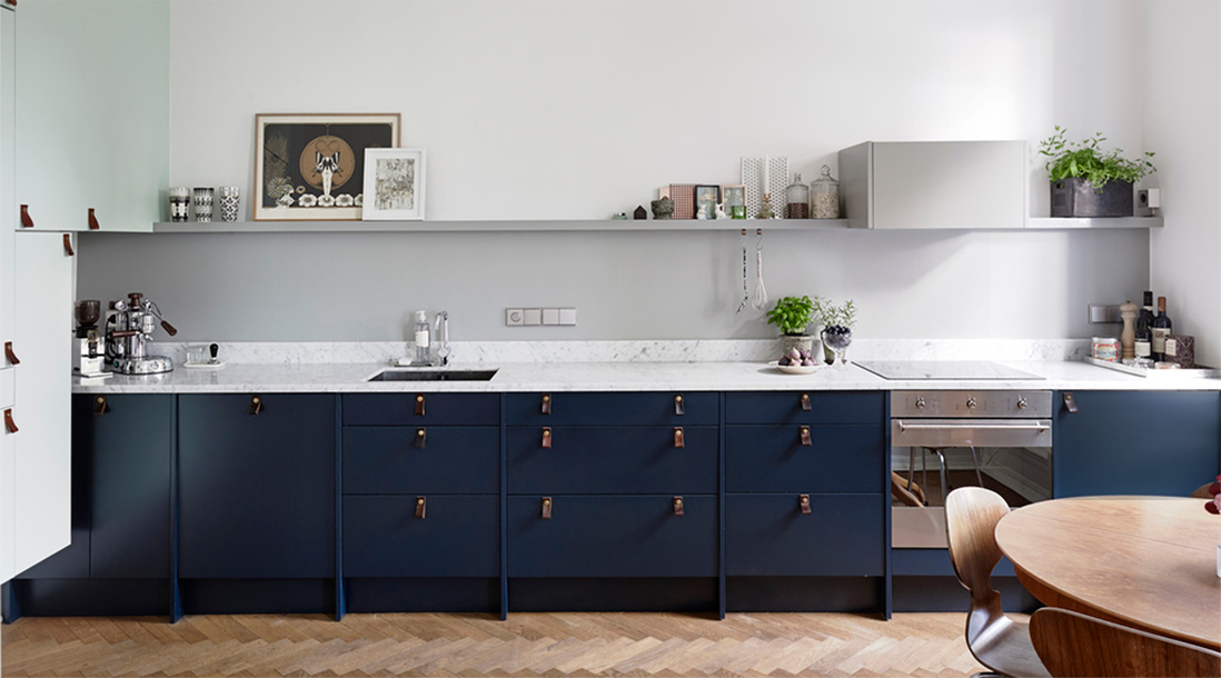 Mörkblått-kök